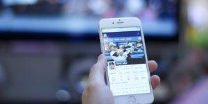 Iphone 300x150 - La importancia de Internet para la supervivencia de los clubes deportivos