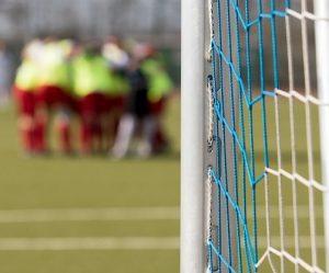 deportes gol 300x249 - Jugar con tus compañeros de trabajo para sanear vínculos