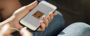 teléfono inteligente 300x120 - Realiza pasatiempos saludables sea cual sea tu horario laboral