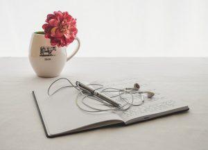cuaderno flor 300x216 - Encuentra un pasatiempo que se adapte con tu trabajo y tus necesidades