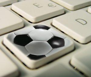 teclado deporte 300x253 - ¿Puede la pasión por el deporte ser rentable?